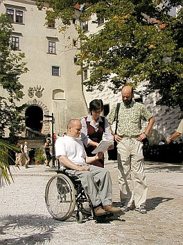 A Strategic Meeting with Guides at the 2nd Courtyard of Český Krumlov Castle, foto: Lubor Mrázek