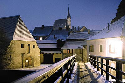 Český Krumlov, winter view onto armoury, in the background Church of St. Vitus, foto: Libor Sváček