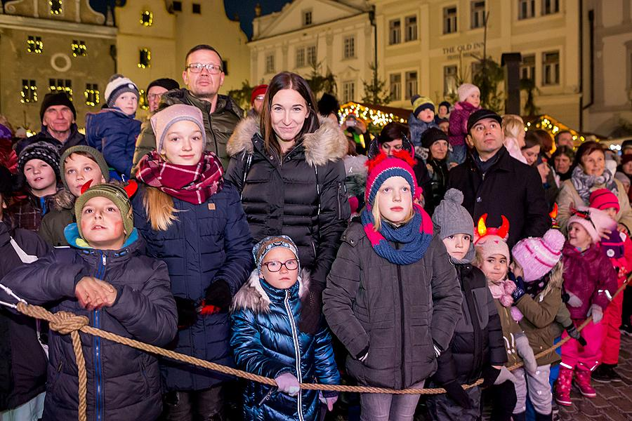 St. Nicholas Present Distribution 5.12.2018, Advent and Christmas in Český Krumlov