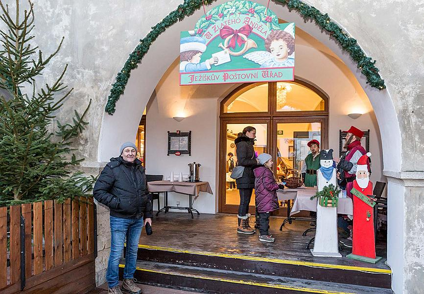 Baby Jesus Postal Office at U Zlatého Anděla and arrival of the White Lady, 9.12.2018