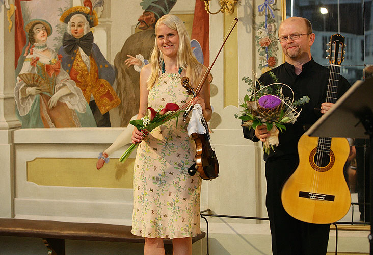 Gabriela Demeterová (violin), Pavel Steidl (guitar), Masquerade hall, 8.8.2007, International Music Festival Český Krumlov, source: Auviex s.r.o., photo: Libor Sváček
