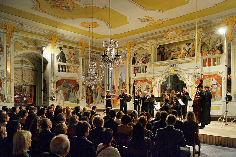 Slovakian Chamber Orchestra, Masquerade hall, 24.8.2007, International Music Festival Český Krumlov, source: Auviex s.r.o., photo: Libor Sváček