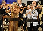Sir James Galway (GB), Lady Jeanne Galway (USA) - flutes, Czech Radio Symphony Orchestra, Conductor: Vladimír Válek, 23.8.2008, International Music Festival Český Krumlov 2008, source: Auviex s.r.o., photo: Libor Sváček